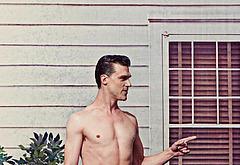 Finn Wittrock naked photos