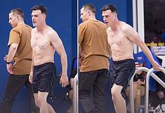 Finn Wittrock shirtless photos