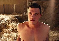 Finn Wittrock nudity video
