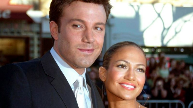 A couple again! Ben Affleck and Jennifer Lopez had a weekend together